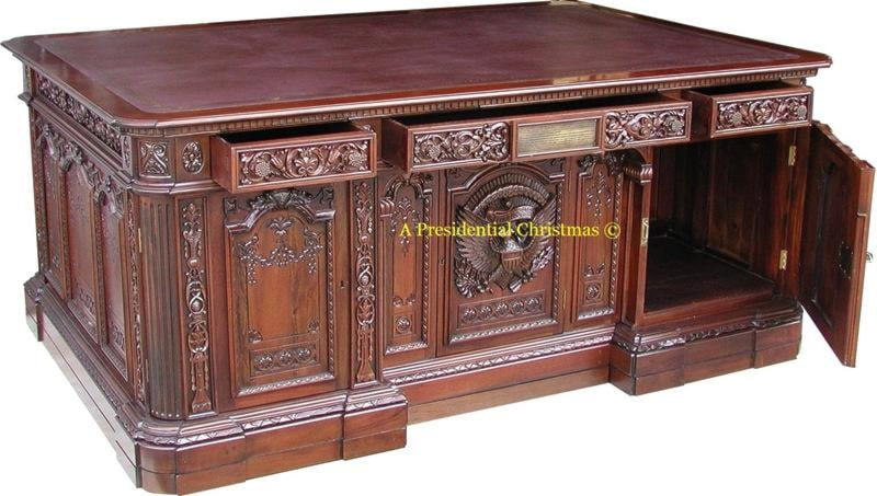Reproduction Of The Resolute Desk And Great Seal Rug