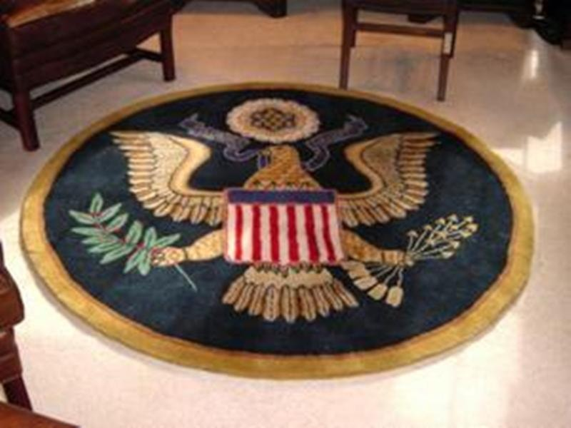 The Great Seal Wool Accent Rug