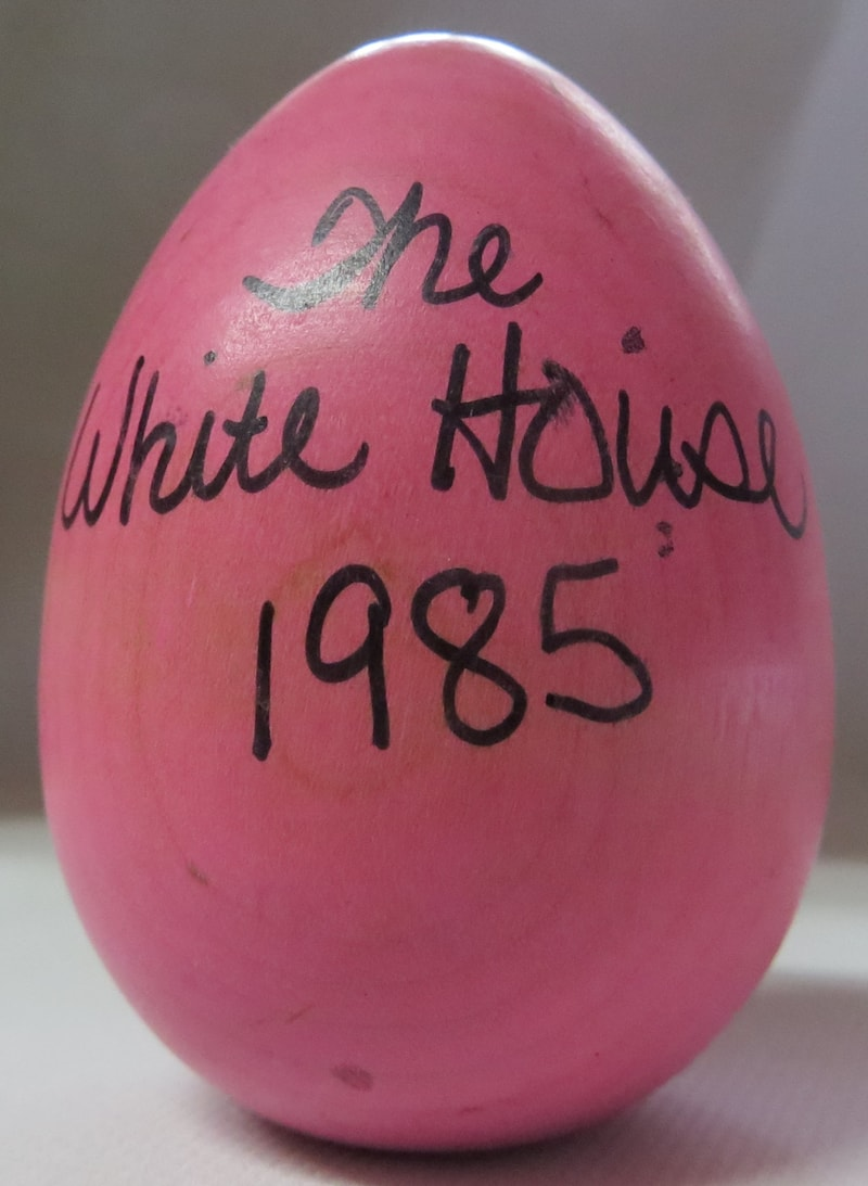 1985 Official White House Wooden Easter Egg Assorted